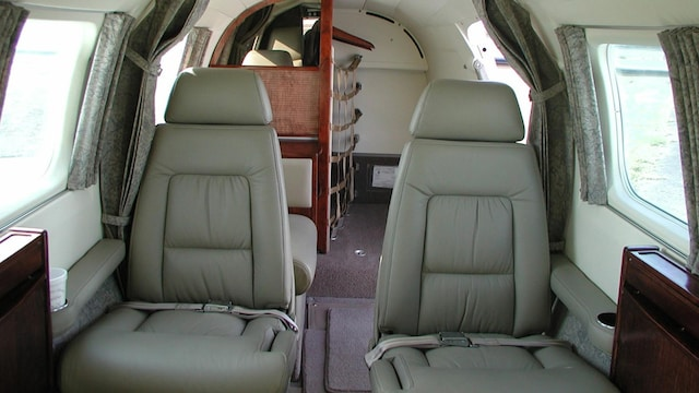 Piper Cheyenne (400LS) Interior